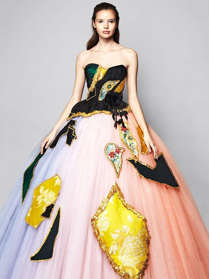 """Im Gespräch: Viktor & Rolf über das neue Parfum """"Flowerbomb Bloom"""", ihre Bridal-Kollektion und warum Amsterdam schöner als Paris ist! - Journelles"""