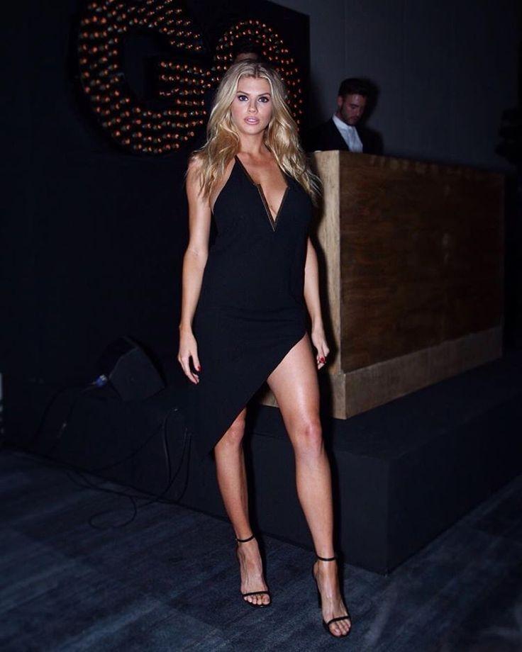 La espectacular @charlottemckinney recibirá el reconocimiento de Modelo del Año en #PremiosGQ  #charlottemckinney | Foto: @alxsnoidea