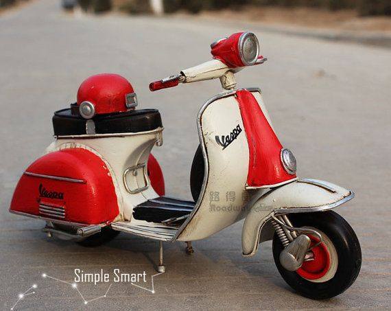 1/12 Miniature Retro Style 1958 Red & White Vespa Motorcycle  Model Hand Made Metal Toy Car Home Decor Office Decor Gift