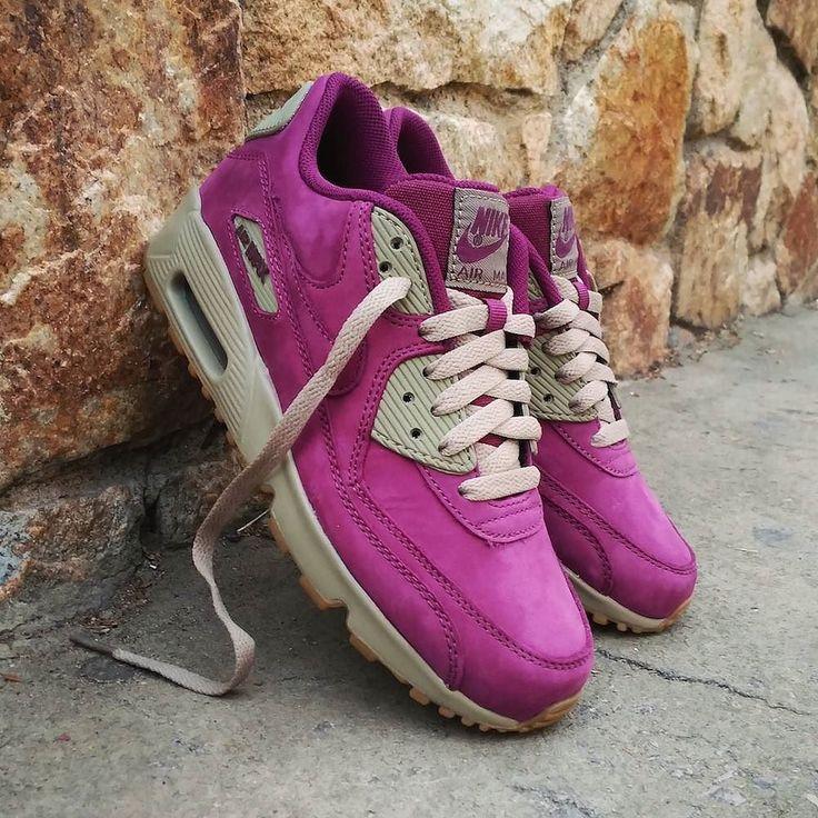 "Nike Air Max 90 Winter Premium GS ""Bordeaux""  Size Wmns GS - Precio: 110 (Spain Envíos Gratis a Partir de 99) http://ift.tt/1iZuQ2v  #loversneakers#sneakerheads#sneakers#kicks#zapatillas#kicksonfire#kickstagram#sneakerfreaker#nicekicks#thesneakersbox #snkrfrkr#sneakercollector#shoeporn#igsneskercommunity#sneakernews#solecollector#wdywt#womft#sneakeraddict#kotd#smyfh#hypebeast #nikeair#airmax90#am90 #nike #airmax"