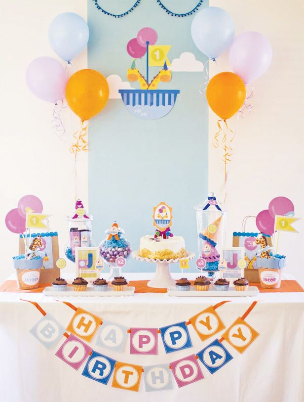 17 best ideas about twin first birthday on pinterest for Baby full month decoration ideas