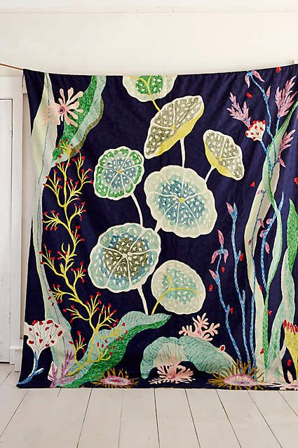 Waterblooms Crewelwork Rug - anthropologie.eu