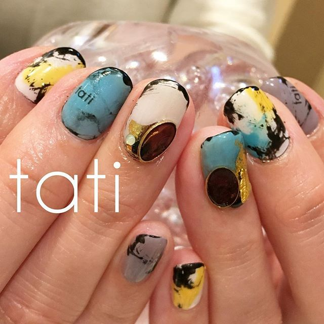 tati_nail人気継続中です◡̈♥︎ ホイルを足したらスタイリッシュ感倍増。 これから私の中で定番になりそうです。 ・ ・ Hi there, I don't speak English, but my international team over at Neiru will be more than happy to help you out on my behalf! ・ If you have any questions, you can reach my international team and email SHOP@NEIRU.ME ・ You can also purchase tati brushes and my newest ebook at http://shop.neiru.me ・ - For more information - Shop: http://shop.neiru.me Instagram: @shop.neiru.me Email: shop@neiru.me ・ #nailart #nails#naildesign…