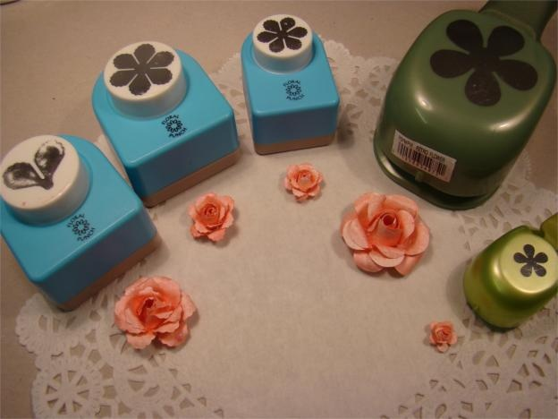 Scraps: Tut on roses made with punches