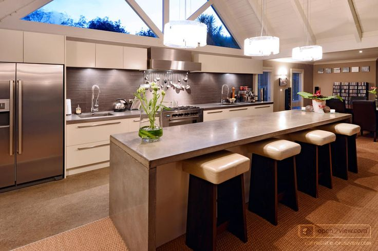 love this kitchen, love the window above range