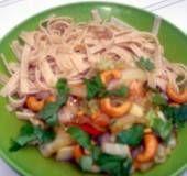 Een heerlijke manier om chinese kool te serveren! In combinatie met volkoren tagliatelle (of mie) en cashewnoten is dit een volledige vegetarische maaltijd.