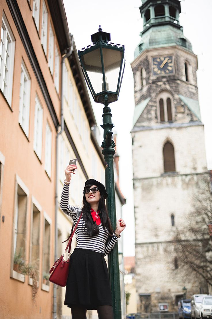 Bild: Outfit, French Chic, French Style, How to be Parisian, Ootd, Streifen, Ringelshirts, Baskenmütze, Französin, Michael Kors, Rock, Shades of Ivory, Blog