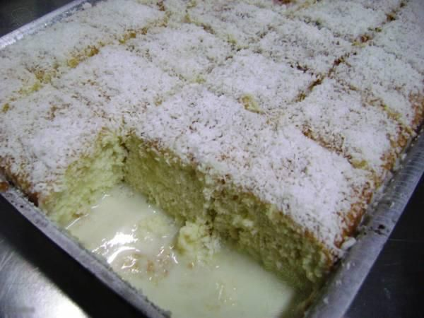 Bolo gelado -: Recipes For, Cake, Brazilian Food, Ice Cream Cake, Delights, Cookery, Food, Sweet Recipes