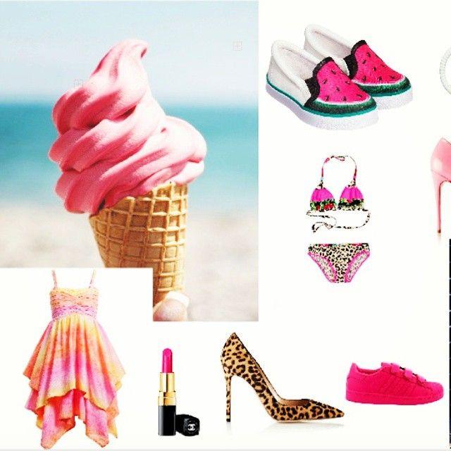Bello sunshine! Zo verliefd op het fleurige zomerse jurkje. #jurkje #heels #mama #stijl #bikini #adidas #sneakers. www.mametstijl.com
