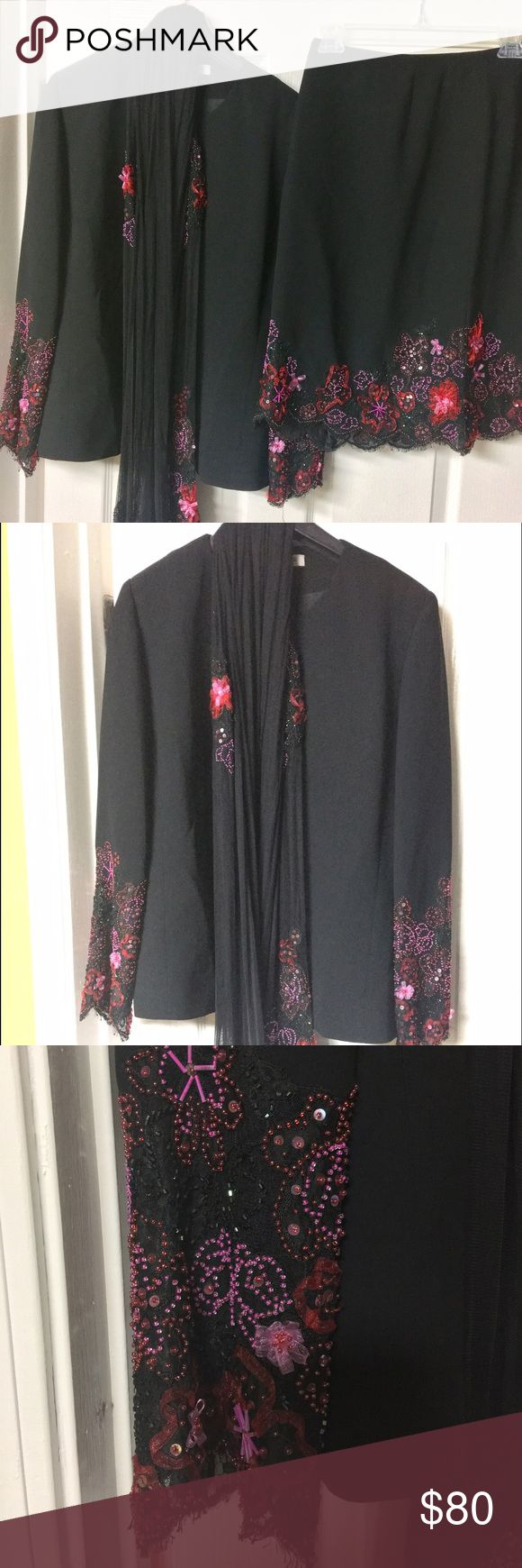 KAY UNGER BLACK 2 PIECE SKIRT SUIT W/LACE SIZE 8 KAY UNGER BLACK 2 PIECE SKIRT SUIT WITH MATCHING SCARF. BEAUTIFUL JACKET WITH EMBELLISHED LACE SLEEVES AND MATCHING SCARF.  THE JACKET'S SIZE TAG HAS BEEN CUT OUT. THE SKIRT ALSO HAS MATCHING EMBELLISHED DESIGN ON BOTTOM. THE SIZE IS 8 FOR BOTH. Kay Unger Other