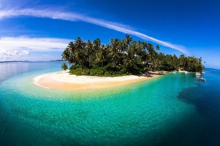 Resort Latitude Zero, Island Paradise.