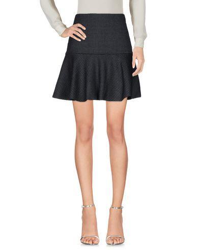 BOUTIQUE MOSCHINO Mini skirt. #boutiquemoschino #cloth #