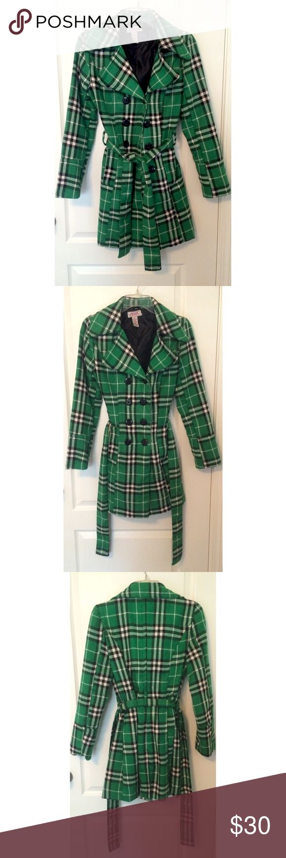 """Green Double-Breasted Women's Peacoat Green Double-Breasted Women's Peacoat. Like new. Only worn once. The length of the coat ends just above the knee. Exact length is 2' 8.5"""" Aviva Premium Jackets & Coats Pea Coats"""
