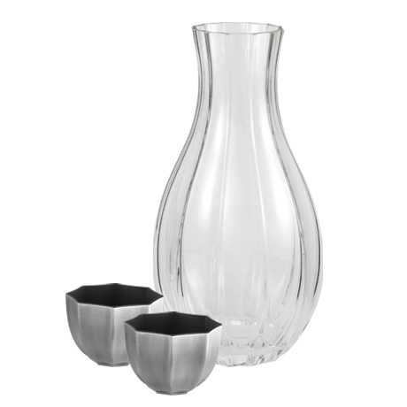 Carafe (cup pair), Revela - The carafe is a container used for serving wine or other drinks and is made entirely from glass. #pewter #RoyalSelangor