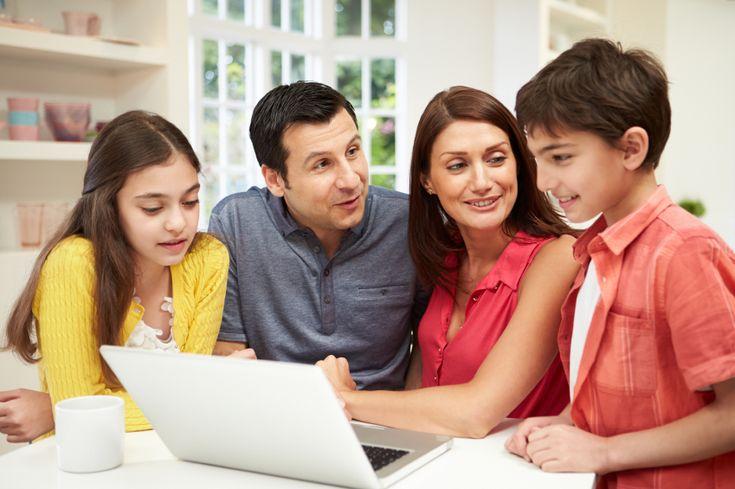 The Windows English Pack All  Είναι το μεγαλύτερο (παγκοσμίως) ηλεκτρονικό πρόγραμμα Αγγλικών με 10 τάξεις από a junior έως το Proficiency για παιδιά, μαθητές και ενήλικες.  Aπαραίτητο βοήθημα για το Δημοτικό, Γυμνάσιο, Λύκειο,Πανεπιστήμιο και γιά όλους τους ενήλικες Σημειώστε ότι ή ύλη είναι εγκεκριμένη από το Υπουργείο Παιδείας.