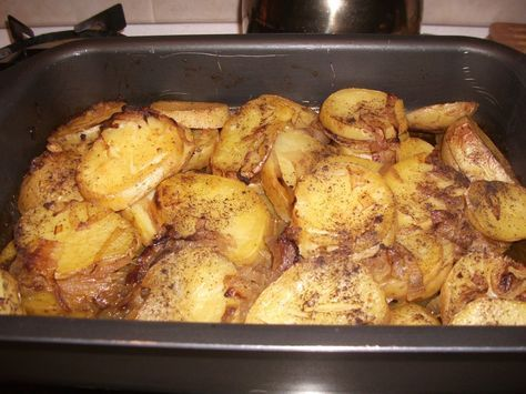 Ingredients:  6 large poatoes washed unpeeled and sliced (1/2 inch) 2 onions sliced 1 teaspoon hot or medium curry according to taste 4 garlic cloves chopped 1 cup water seasoning.   Method:  In a large saucepan heat some oil then fry the sliced onions add the curry and fry ubtil onions are soft . Turn off heat and layer the potatoes over the fried onions [...]