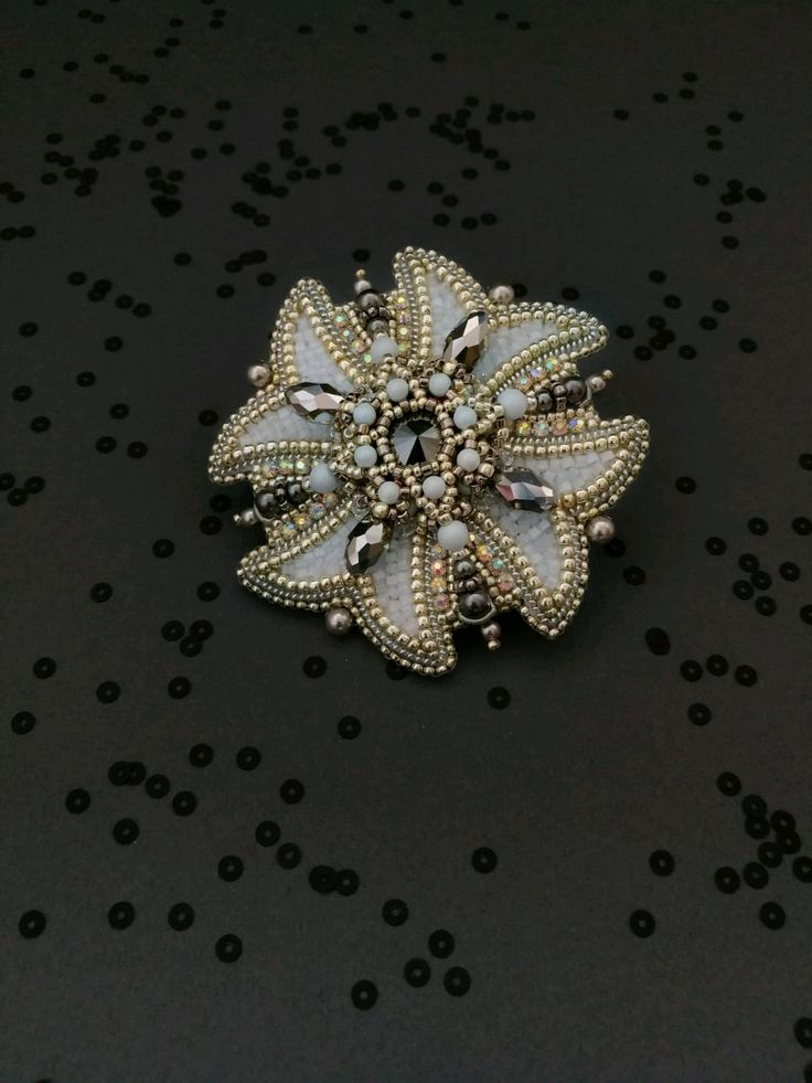 """Купить Брошь """"Анжелика"""" - Вышивка бисером, голубой, подарок, подарок на новый год, брошь ручной работы"""