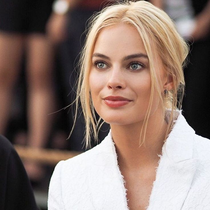 Margot Robbie Givenchy Spring 2016 Fashion Show at New York Fashion Week