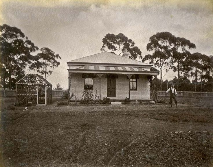Constable's Cottage,Chatswood in the Upper North Shore of Sydney in c1890.A♥W