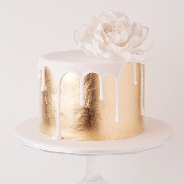 Birthday Cake Images Gold : 25+ best ideas about Gold cake on Pinterest Gold wedding ...