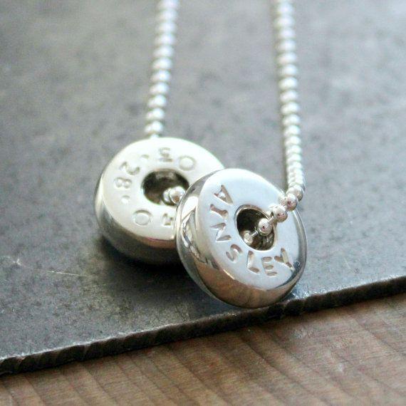 Gepersonaliseerde zilveren kraal hanger, aangepaste familie ketting, Hand…