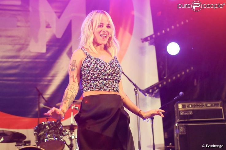 Alizée Jacotey - RFM Summer Live au Parc de l'île de la Jatte à Levallois Perret - 2014-6-4 #alizee #blonde