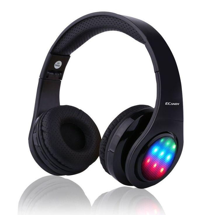 【Bluetooth ワイヤレス ヘッドフォ】Ecandy ステレオ音楽折りたたみ式オーバーイヤーBluetoothヘッドフォ 3 LEDライトモード搭載 内臓マイクハンズフリー通話 (ブラック) おすすめ度*1 ASIN B01LABW1N6 LEDイルミネーションで曲に合わせて側面が光る折りたたみ式ヘッドホン。LEDは音量とリズムに連動してパターン発光する。ちなみに適正音量だと一番上の緑まで光ることは滅多にない。緑まで光らせようと音量を上げるとかなりうるさい。装着感はよい感じだが、イヤーマフがやや蒸れやすい。 遮音性はほぼなく、音漏れはかなり目立つ。通信性能は安定している。aptXには対応…