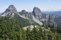 Montañas Rocosas En El Parque Nacional Del Jaspe, Canadá - Descarga De Over 67 Millones de fotos de alta calidad e imágenes Vectores. Inscríbete GRATIS hoy. Imagen: 16043091