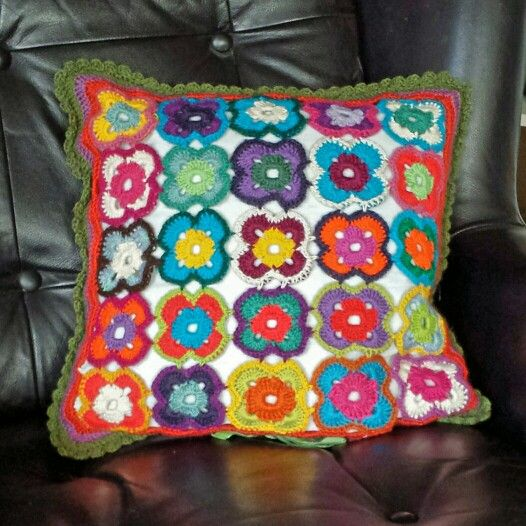 Sofapude - crochet cushion