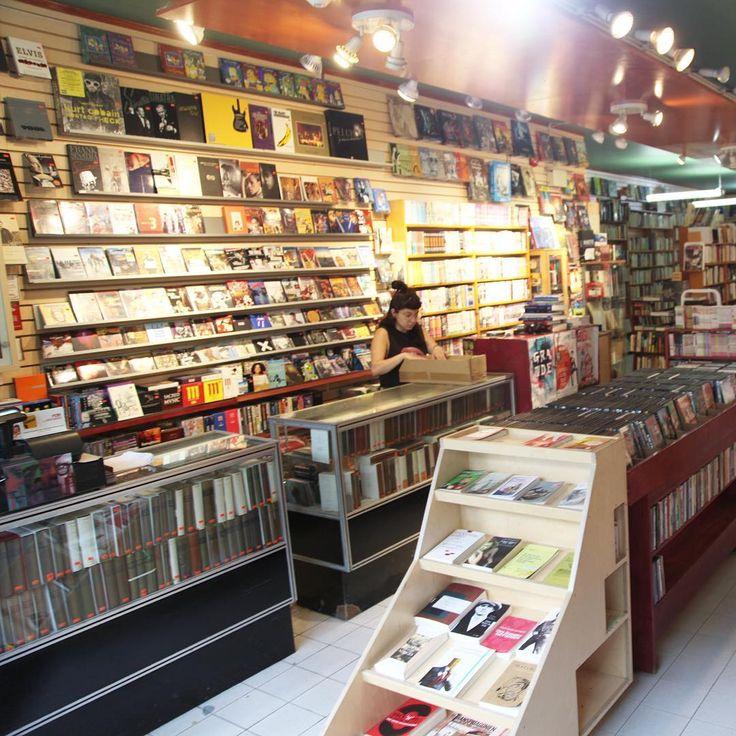 #LibrairieVolume #Livres #BD #Jeux #DVD #Librairie #Montreal #MTL #MTLmoments #berriuquam #UQAM #ruestecatherine