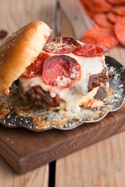 pepperoni pizza burgerReally nice recipes. Every hour.Show me  Mein Blog: Alles rund um die Themen Genuss & Geschmack  Kochen Backen Braten Vorspeisen Hauptgerichte und Desserts