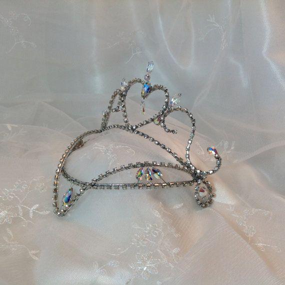 Casco de Ballet de hadas color lila. Tiara de plata y cristal. Hada del ciruelo del azúcar. Ballet de belleza durmiente. Cenicienta.
