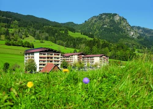 DIE GAMS Hotel Resort Bad Hindelang Offering a variety of sports and wellness facilities, this family-friendly, 3-star Superior apartment hotel in Bad Hindelang boasts panoramic views of Bavaria's Allgäu Alps.