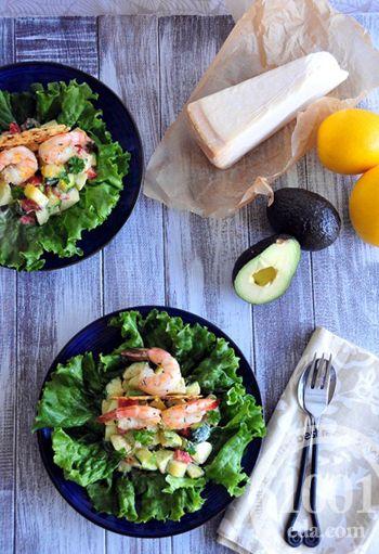Салат с креветками и сыром пармезан
