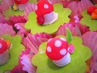 Cupcakes http://littlemissinc.wix.com/littlemissweddings