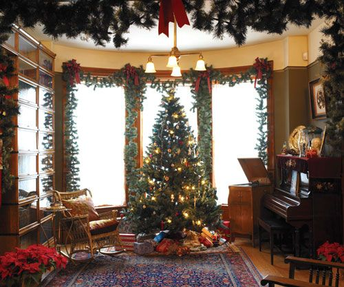 Christmas Decorations For Victorian Homes: 17 Best Images About Christmas Decor On Pinterest