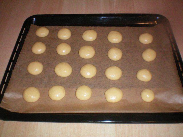 Das perfekte Grieß Kekse-Rezept mit Bild und einfacher Schritt-für-Schritt-Anleitung: Alle Teigzutaten zügig zu einem Teig verkneten. In…