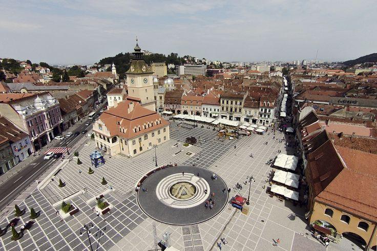 Fotografie aeriană, realizată în Braşov, vineri, 5 septembrie 2014. (  Cătălin Cădan / Mediafax Foto  ) - See more at: http://zoom.mediafax.ro/travel/vederi-aeriene-din-romania-13244731#sthash.dKOeESwd.dpuf