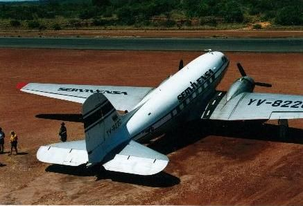 Douglas C-47-DL (YV-822C, c/n 9137) of SERVIVENSA (Servicios Aereos Avensa S.A.). It was purchased from SANSA of Costa Rica in 1999 and used as scenic flight, passenger and freighter from Puerto Ordaz to Canaima national park.