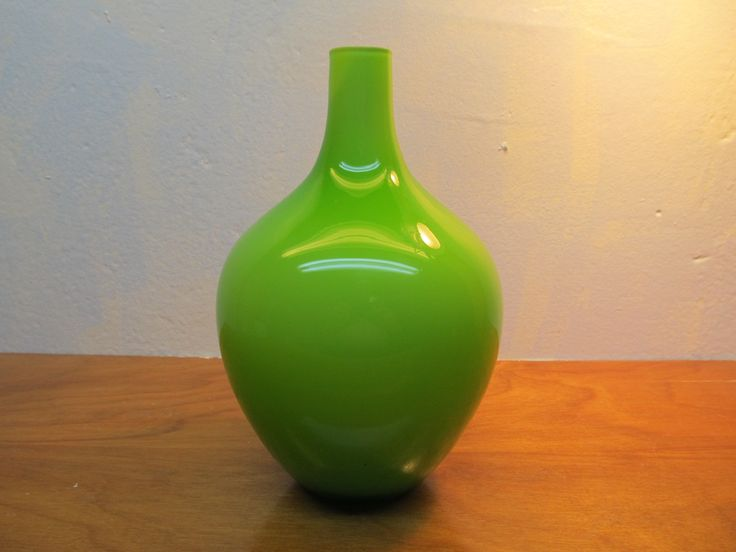 BEAUTIFUL GREEN GLASS VASE WITH CLEAR GLASS OVERLAY