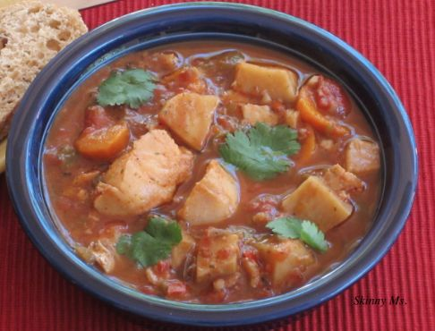 Slow-Cooker Halibut Stew - don't think you have time for a healthy meal? No worries. This #slowcooker recipe shows you how you can