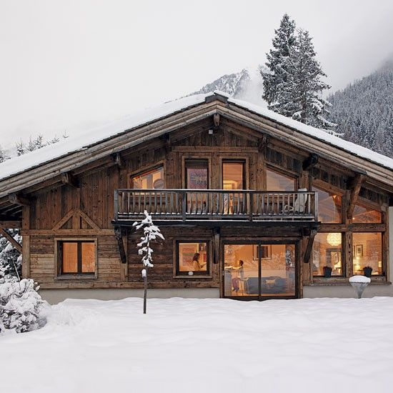 Like simple structure, alpine chalet Like the large floor to ceiling windows