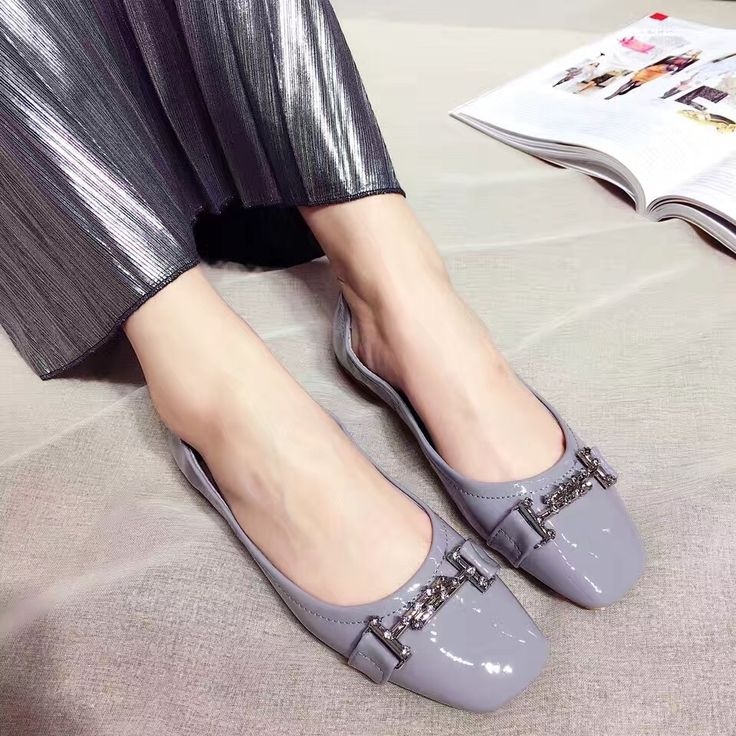 28.49$  Buy here - http://ai62e.worlditems.win/all/product.php?id=32790675483 - 2017 New Arrival Comfortable Flat Shoes Patent Leather Red Grey Ballet Shoes Loafer Women Metal Decoration Square Toe Slip on