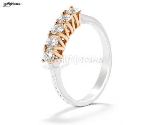 http://www.lemienozze.it/gallerie/foto-fedi-nuziali/img40178.html Anello di fidanzamento con brillanti: elegantissimi gioielli per il matrimonio
