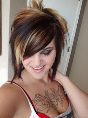 rocker chick hair <3 love the peak a bo high light ... color not cut