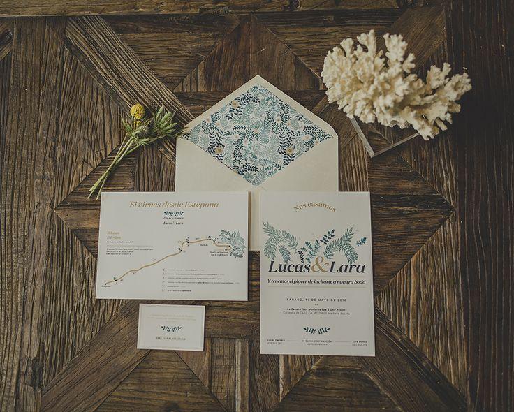 Invitación de boda de 'A mar sabe el amor', la primera colección de papelería de bodas de Loveratory, alter ego de la firma. Acuarela personalizada y sobre forrado. #invitaciones #invitacionesdeboda #invitacionespersonalizadas #invitacionesespeciales #invitacionesoriginales #invitacionesdeacuarela #stationery #weddingstationery #stationery2018