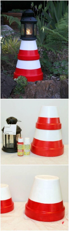 DIY lighthouse out of clay pots - nautical decor - light houses - terra cotta pots - DIY decor - outdoor diy