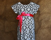 Maternity Hospital Delivery Gown.  Look amazing in your hospital photos and deliver your baby in style!