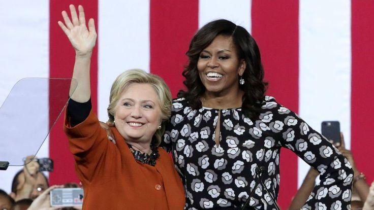 Hillary Clinton et la première dame des États-Unis , Michelle Obama, sont apparues côte à côte jeudi lors d'un meeting en Caroline du Nord. Les deux femmes ont fait front commun pour appeler à faire barrage à Donald Trump.