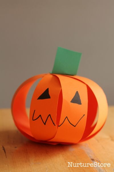 easy pumpkin crafts for kids. (Could even make an apple the same way by using red paper.)